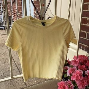 (NWOT) Wild Fable Yellow Ruffle Crop Top, Size L